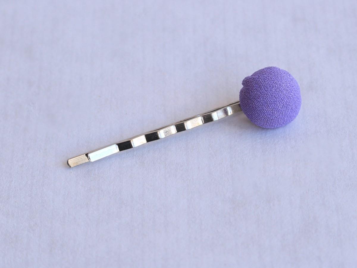 """Clip """"Botón tela"""" lila..."""
