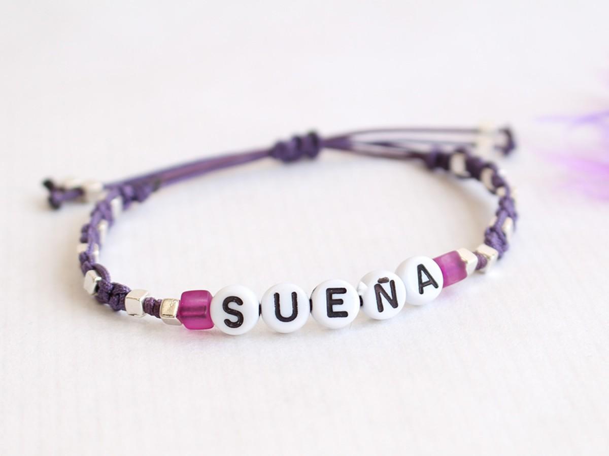 """Pulsera """"SUEÑA"""" Macramé..."""