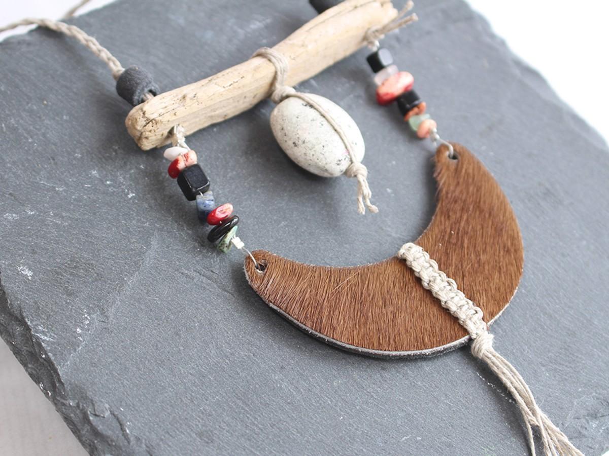 Collar NURA WOOD and...