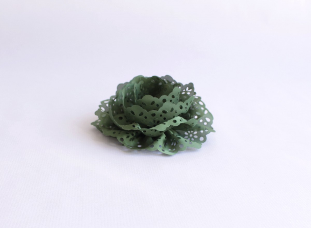 Broche tela puntilla verde