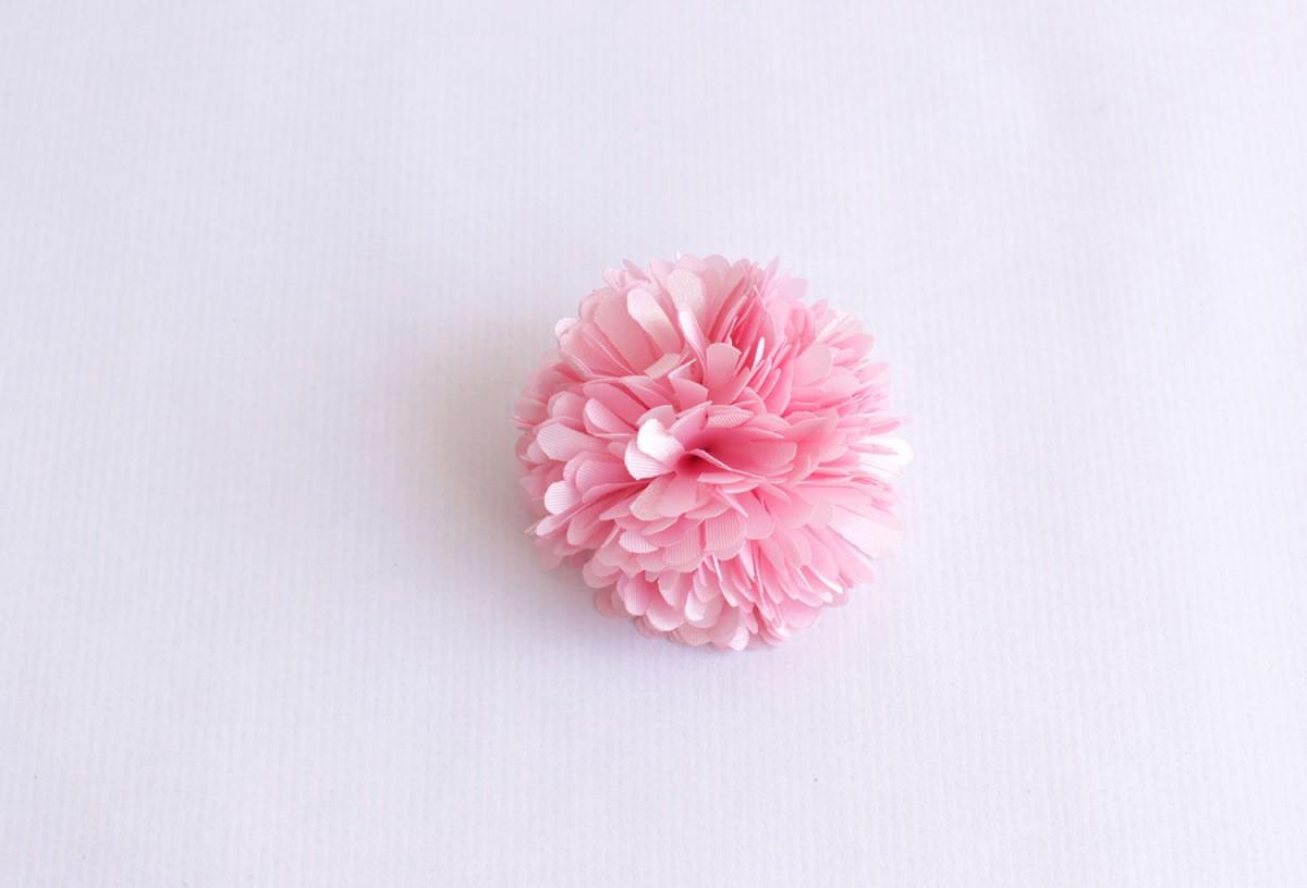 Broche pompón rosa
