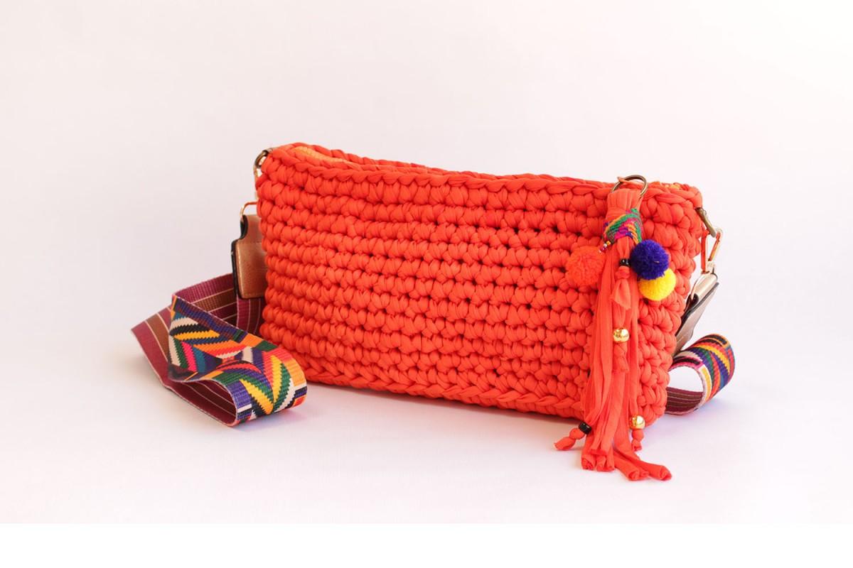 Bolso clutch crochet hecho...